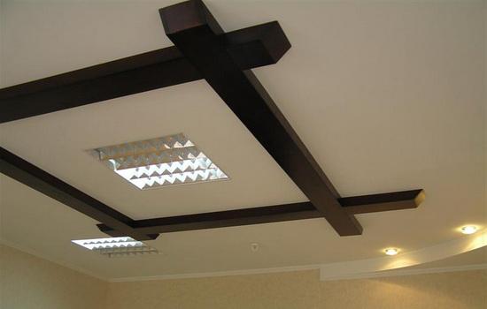 отделка потолка в квартире