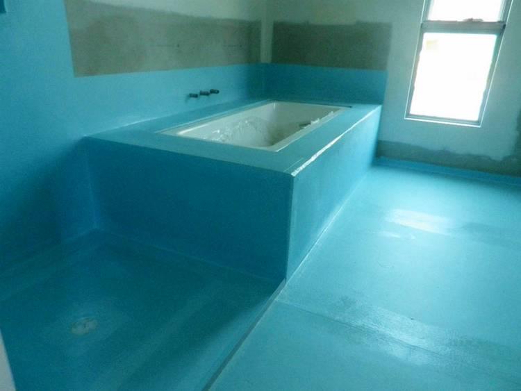 Водостойкая штукатурка для ванной комнаты: разновидности и технология нанесения