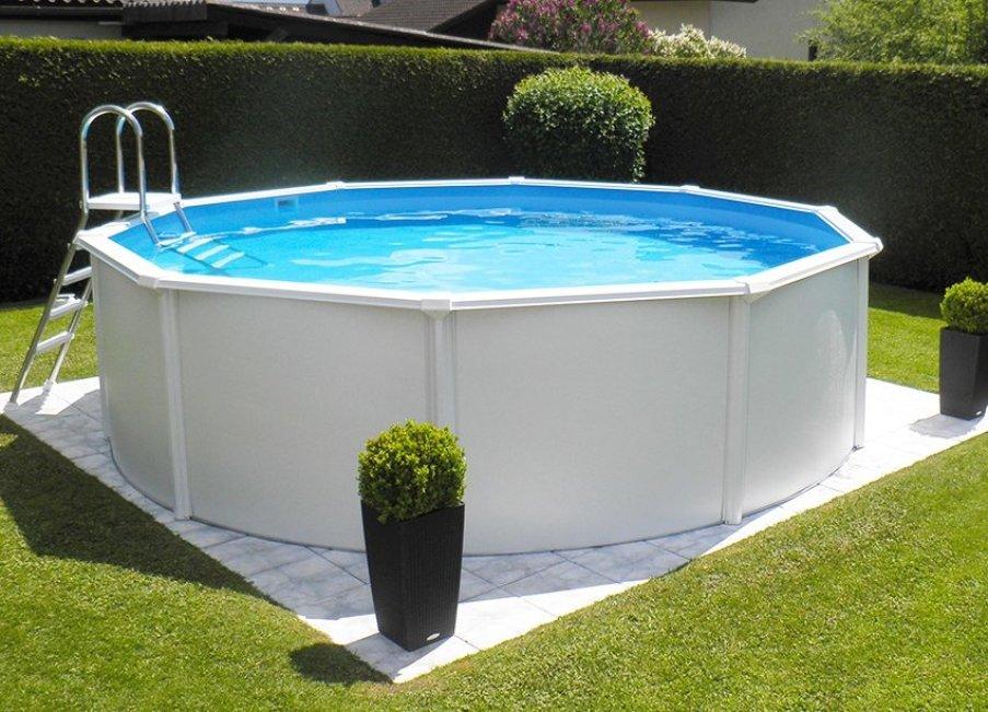 Покрытия для бассейна: раздвижные защитные укрытия из поликарбоната и плавающие пузырьковые модели для бассейна на улице. чем накрыть бассейн?