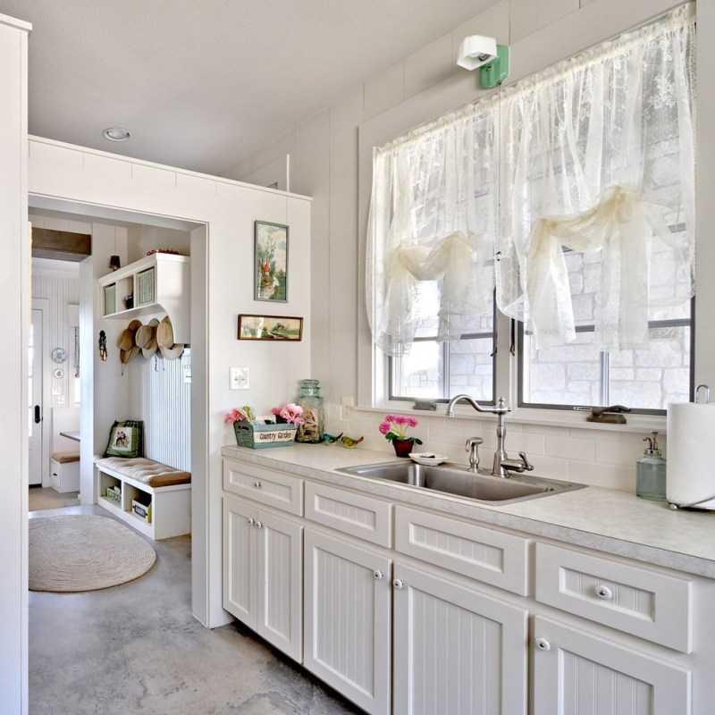 шторы на кухню современные