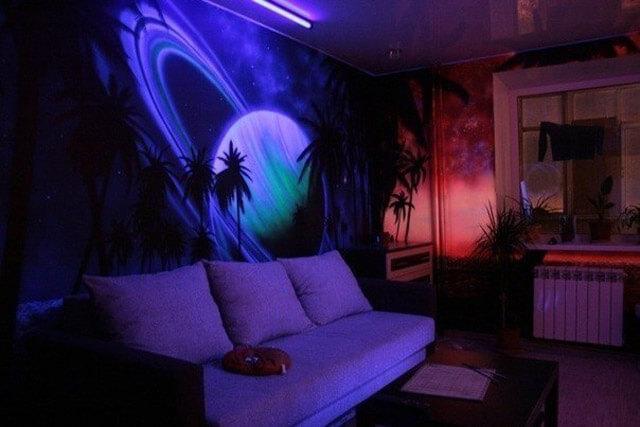 Флуоресцентные обои и их использование в интерьере
