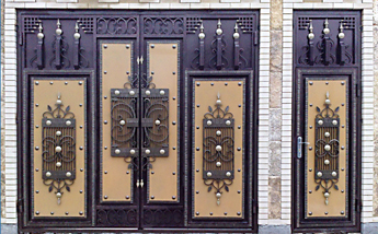 Краска для железных ворот частного дома на улице: какой лучше покрасить