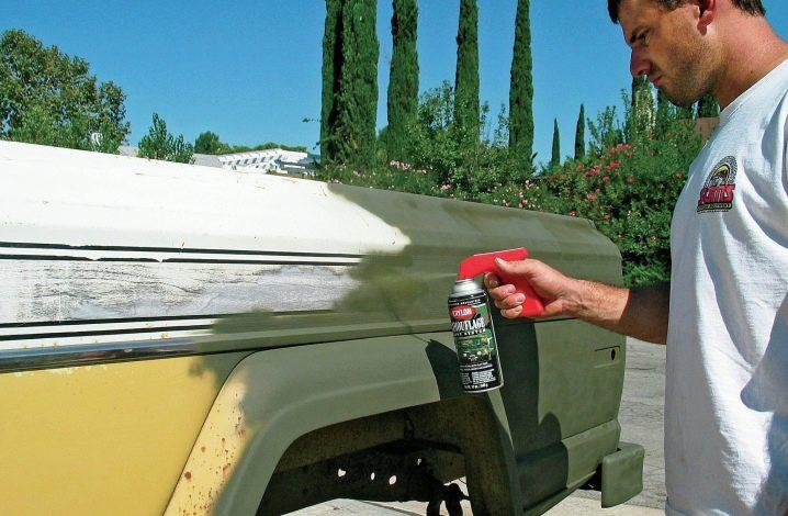 Лак в баллончиках: матовые краски по пластику и хрому, покраска машины аэрозольным составом, варианты для керамической поверхности
