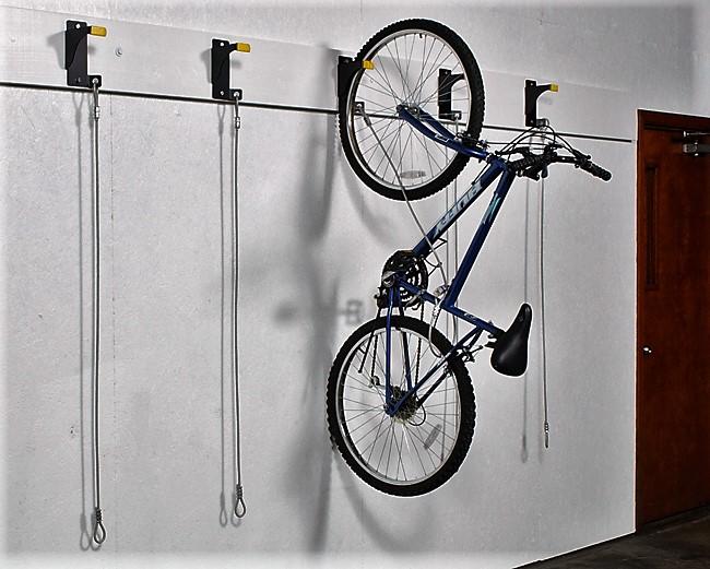 Хранение велосипеда в квартире: как подвесить на стену, где найти место, как хранить на балконе | domovoda.club