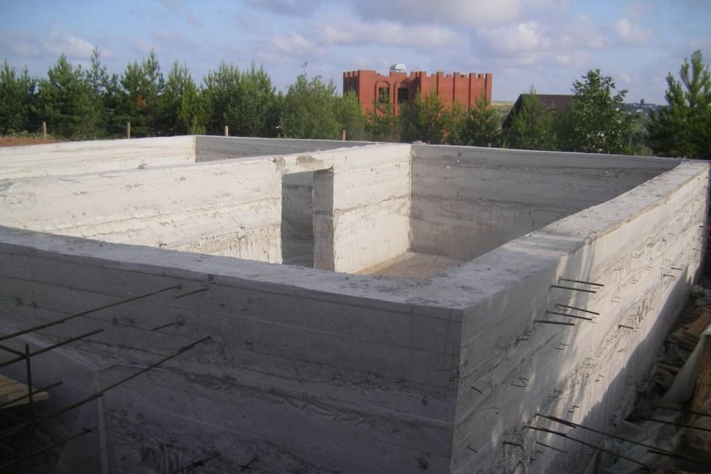 Как правильно залить двор бетоном?