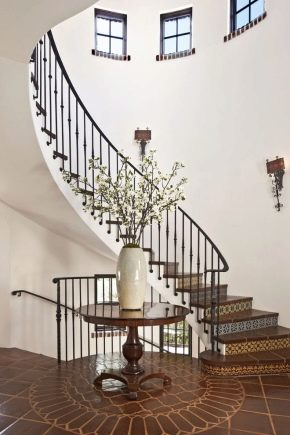Ступени из керамогранита: ступени из керамогранита размером 1200х300 с капиносом для лестниц и крыльца, модели из керамогранитной плитки под мрамор