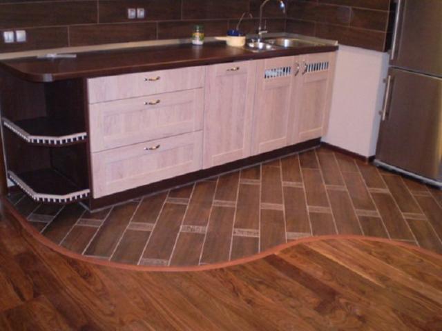 Черный линолеум (42 фото): к каким дверям и обоям на кухне подойдет линолеум цвета венге, какой оттенок в интерьере лучше, светлый или темный