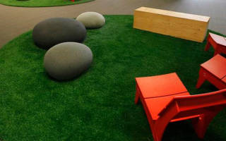 Искусственный газон как правильно уложить на землю