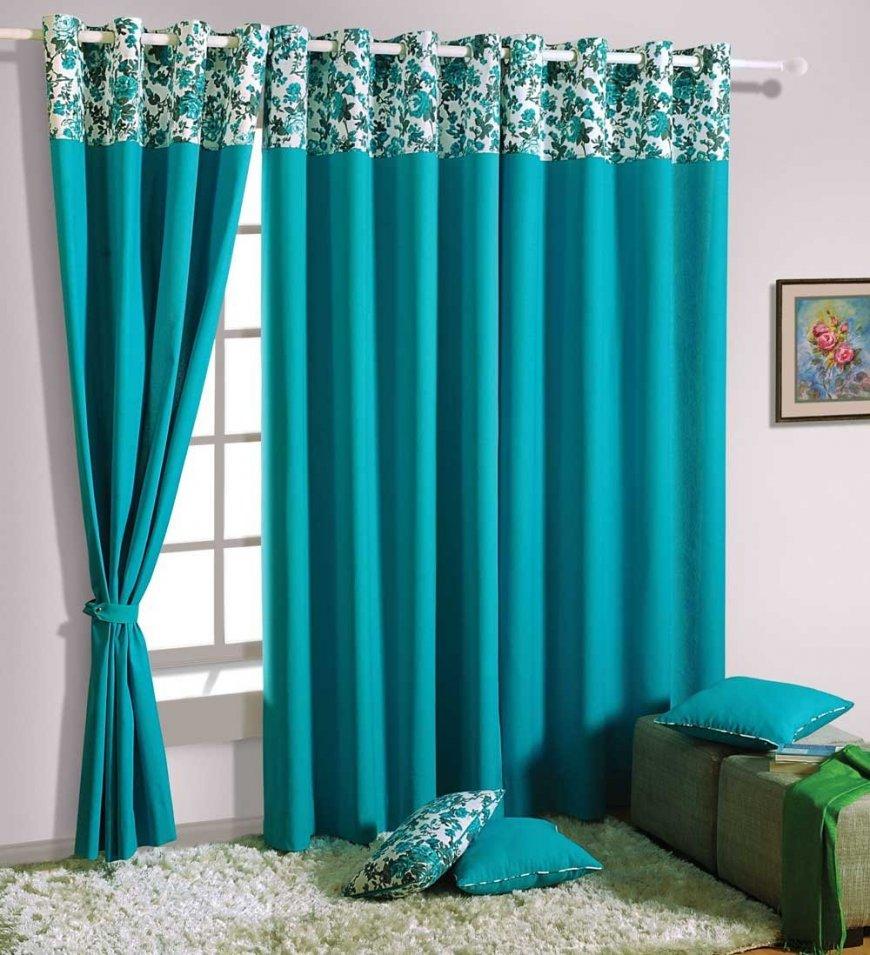 Зелёные шторы как яркий элемент интерьера