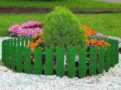 Ограждения для клумб (50 фото): декоративные бордюры своими руками, пластиковые и металлические заборы из подручных материалов, интересные варианты обрамления цветников и садовых грядок