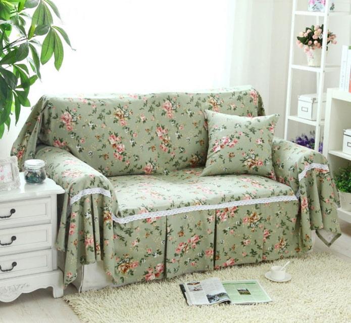 Выбираем модный плед на диван
