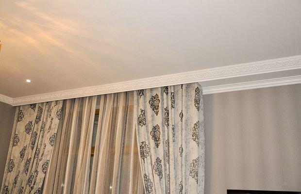 Как крепить потолочный карниз для штор: фото и видео-инструкция по креплению к потолку своими руками