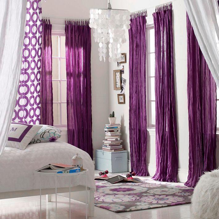 лиловые шторы в спальне