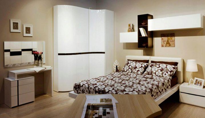 встроенный угловой шкаф в спальню