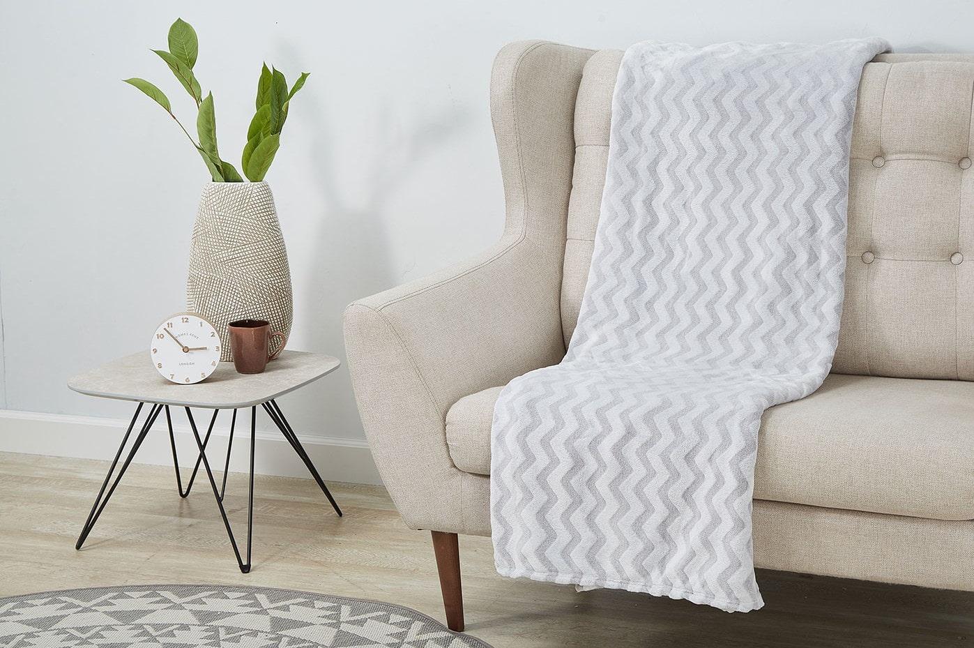 пледы на диван и кресла