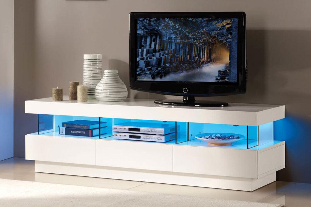 Длинные тумбы под телевизор, как правильно разместить в интерьере