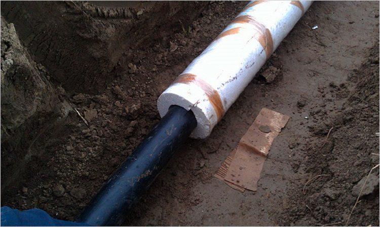 утепление водопровода в частном доме