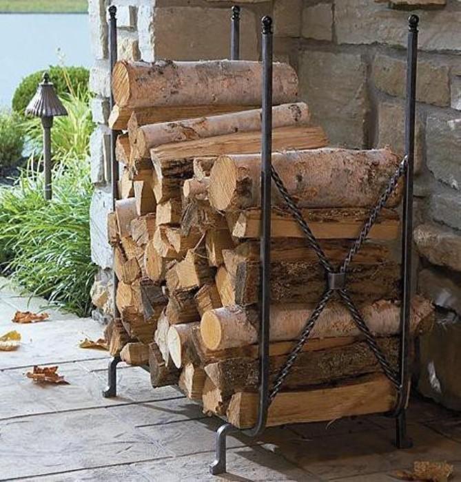 Как сделать поленницу для дров — разбираемся основательно