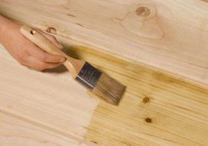 чем покрыть деревянную столешницу