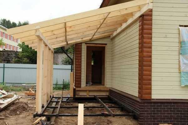 двухскатная крыша с пристройкой