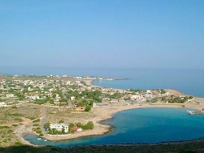 Курорт ставрос, о крит, греция. достопримечательности, пляж, фото