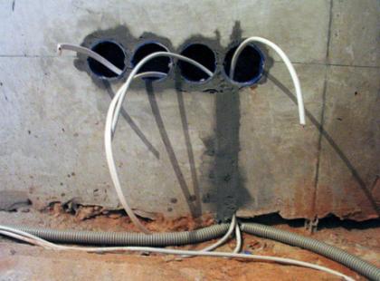 Правильное скрытие проводки в квартире: подбор схемы проводки, требования к электропроводке, места прокладывания в различных типах зданий + советы профессионалов