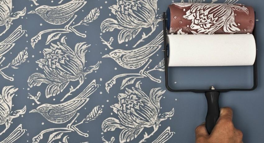 Как покрасить стены валиком в квартире без разводов и полос, равномерно: как называется инструмент, как его правильно выбрать, можно ли сделать самому, как держать?