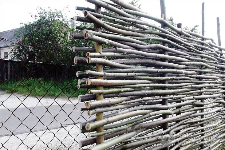 Плетеный забор своими руками - пошаговая инструкция!