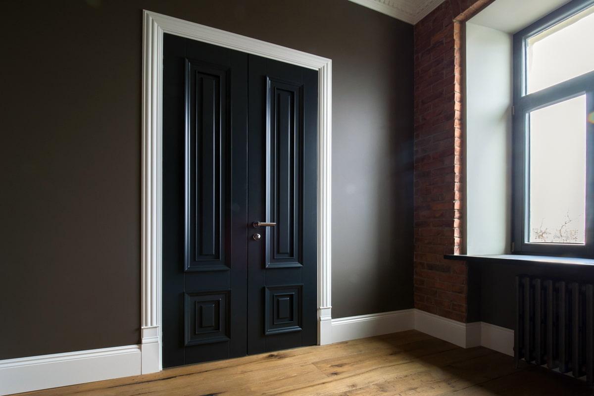 Темные двери в интерьере +75 фото