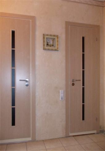 Раздвижные двери в ванную: виды, фурнитура, преимущества, уход