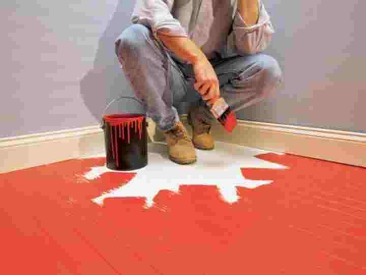 Как покрасить деревянный пол в квартире: чем красить пол из досок
