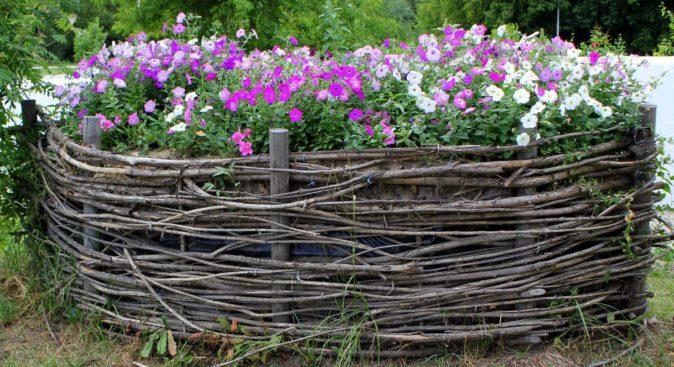 забор для клумбы своими руками