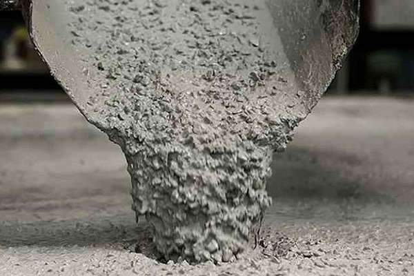 что добавить в бетон для прочности