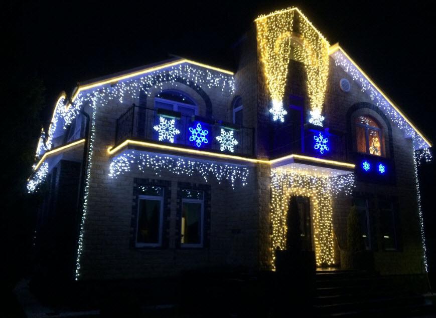 Новогодний декор дома снаружи своими руками (65 фото)