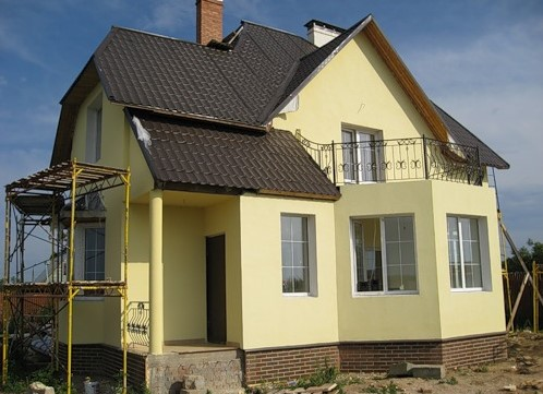 покраска фасада дома по штукатурке