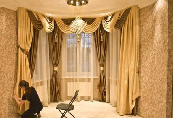 Выбираем шторы для гостиной: от классики до современности